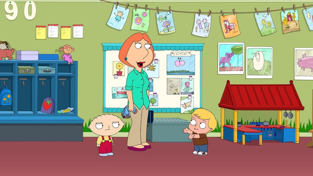 Was kann Stewie (l.) nur tun, damit seine Mutter Lois (M.) sich gegenüber Landon (r.) anders benimmt? - Bildquelle: 2015-2016 Fox and its related entities. All rights reserved.