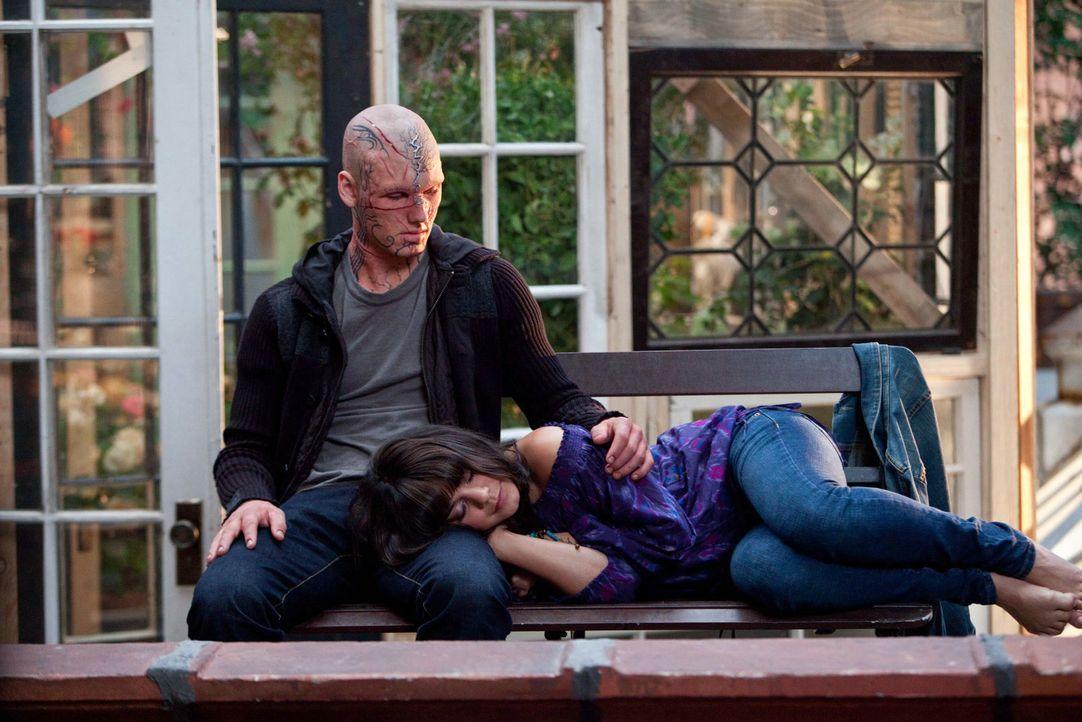 Nach und nach lernen sich Kyle (Alex Pettyfer, r.) und Lindy (Vanessa Hudgens, l.) kennen und zwar so, wie sie wirklich sind ... - Bildquelle: 2011 Concorde Filmverleih GmbH