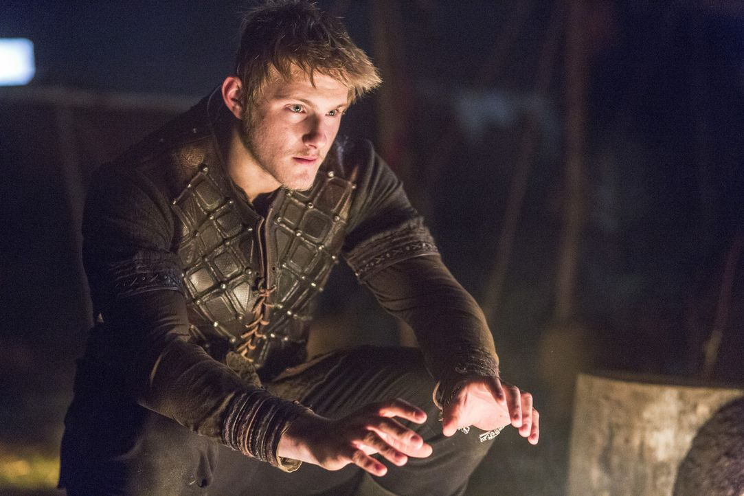 Wird Bjorn (Alexander Ludwig) seinem Vater weiter treu zur Seite stehen? - Bildquelle: 2014 TM TELEVISION PRODUCTIONS LIMITED/T5 VIKINGS PRODUCTIONS INC. ALL RIGHTS RESERVED.