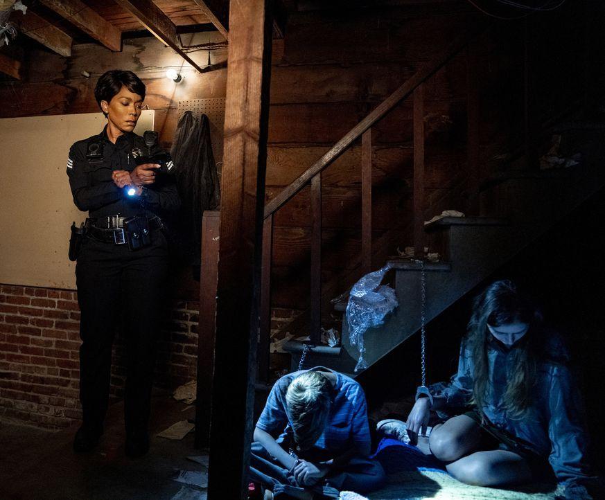(v.l.n.r.) Athena Grant (Angela Bassett); Clement (Sean Hayman); Noreen (Alisha Seaton) - Bildquelle: Jack Zeman 2019-2020 Twentieth Century Fox Film Corporation.  All rights reserved. / Jack Zeman