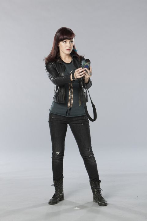 (1. Staffel) - Toby Nance (Crystal Lowe) nimmt mutig den Kampf mit den Killern aus den unterschiedlichsten Erdzeitaltern auf ... - Bildquelle: Kharen Hill