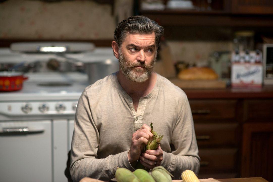 Nur Cain (Timothy Omundson) hat eine Waffe, mit dem die Ritter der Hölle, also auch Abaddon, getötet werden können ... - Bildquelle: 2013 Warner Brothers