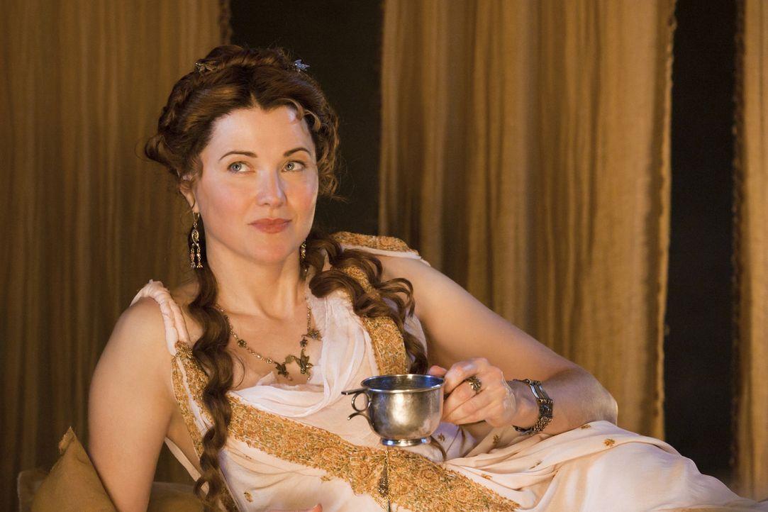 Ist überaus skrupellos, wenn es um ihre Erfolgsmöglichkeiten geht: Lucretia (Lucy Lawless) ... - Bildquelle: 2010 Starz Entertainment, LLC
