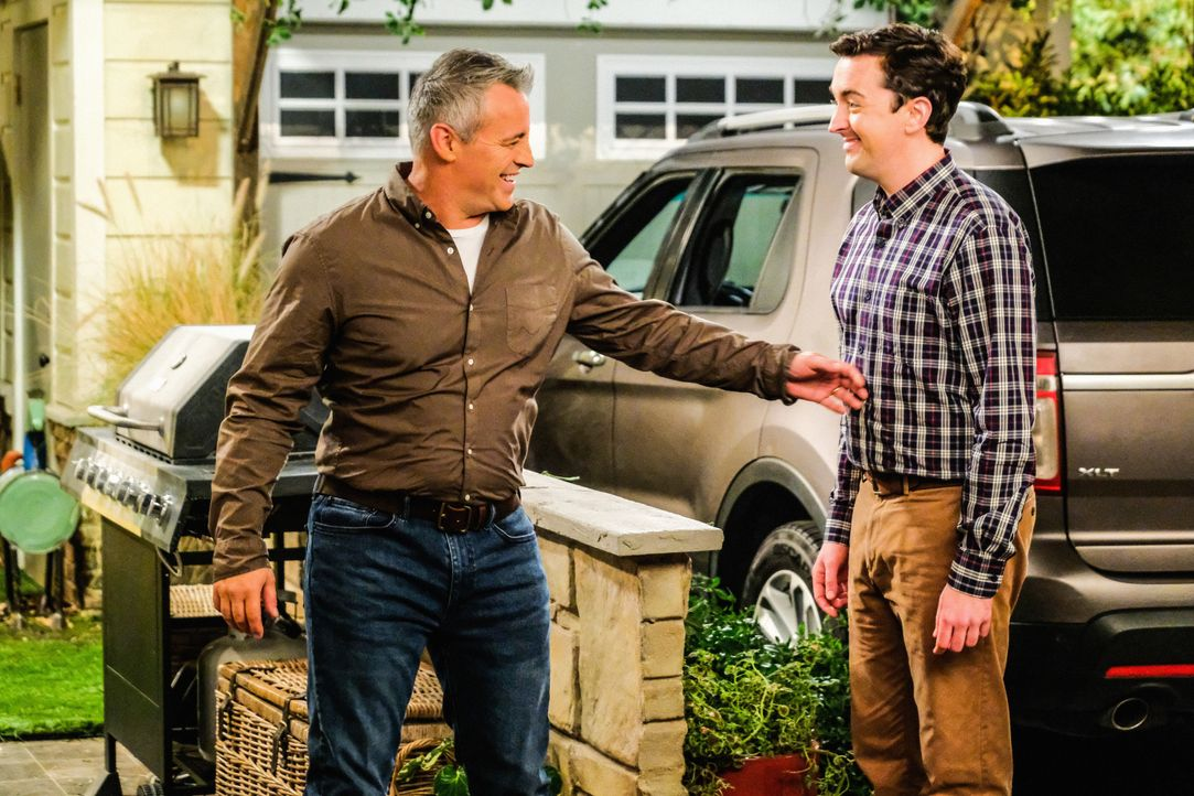 Adam Burns (Matt LeBlanc, l.); Lowell (Matt Cook, r.) - Bildquelle: Darren Michaels 2019 CBS Broadcasting Inc. All Rights Reserved. / Darren Michaels