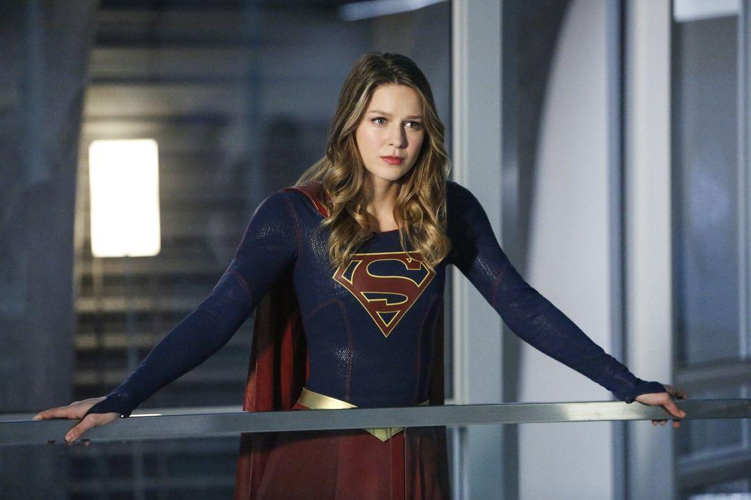 Wird Kara (Melissa Benoist) endlich die Wahrheit über the Guardian erfahren? - Bildquelle: 2016 Warner Bros. Entertainment, Inc.