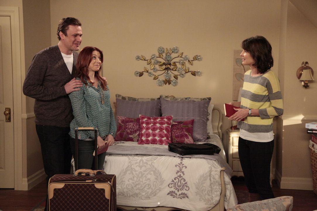 Nach ihrem Auszug aus Teds Wohnung ist Robin (Cobie Smulders, r.) bei Marshall (Jason Segel, l.) und Lily (Alyson Hannigan, M.) untergekommen. Doch... - Bildquelle: 20th Century Fox International Television