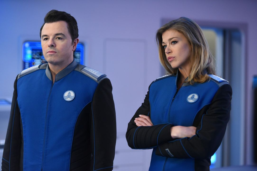 Ahnen nicht, welchen Gefahren Teile ihrer Crew auf einem fremden Planeten ausgesetzt sind: Ed (Seth MacFarlane, l.) und Kelly (Adrianne Palicki, r.)... - Bildquelle: Michael Becker 2017 Fox and its related entities. All rights reserved. / Michael Becker