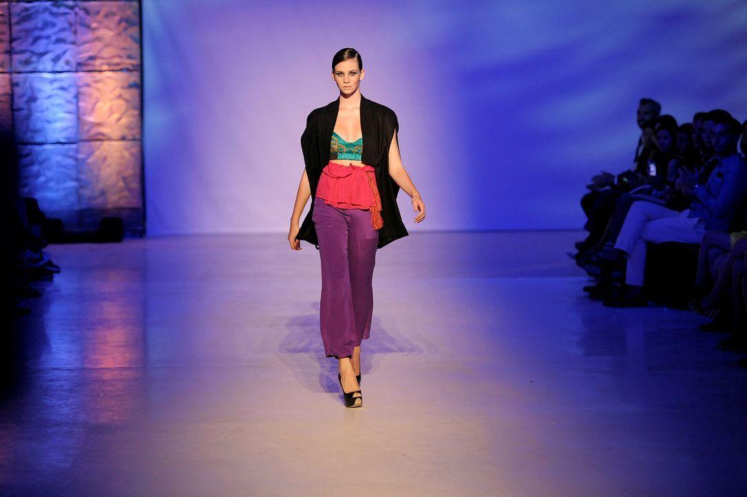 GNTM-Stf09-Epi02-Fashion-Show-30-ProSieben-Oliver-S-TEASER - Bildquelle: ProSieben/Oliver S.