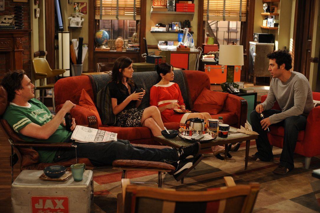 Sind sich nicht ganz einig, ob es Wunder wirklich gibt: Ted (Josh Radnor, r.), Marshall (Jason Segel, l.), Lily (Alyson Hannigan, 2.v.r.) und Robin... - Bildquelle: 20th Century Fox International Television