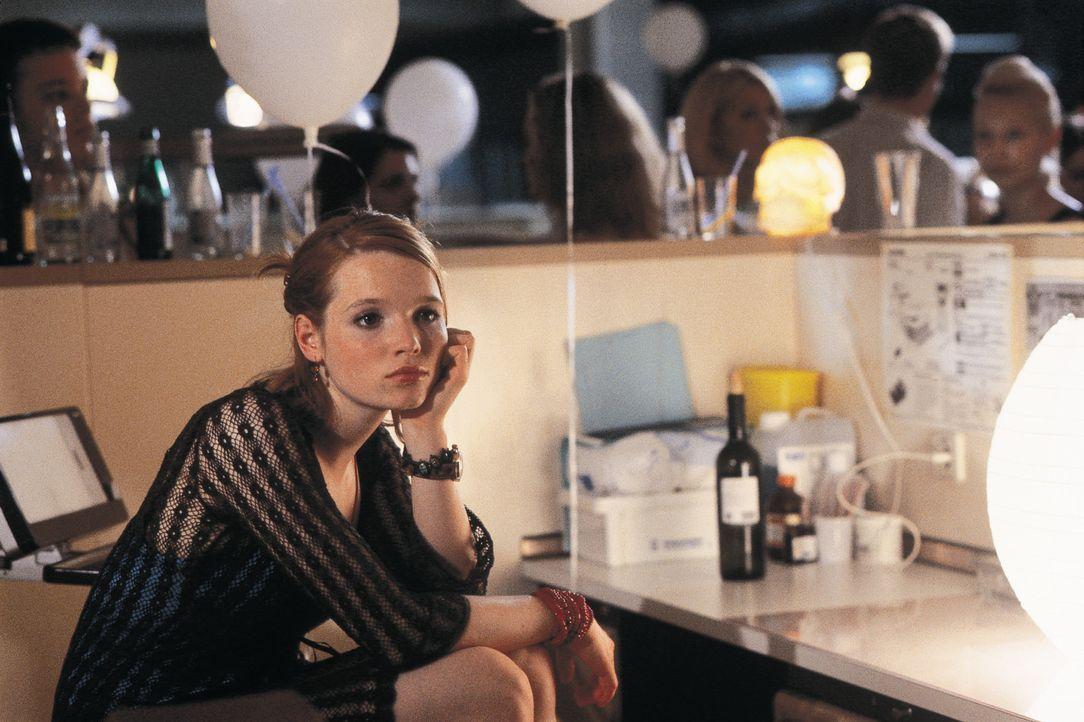 Lena (Karoline Herfurth) hat die Schnauze voll von ihrem Freund und will deshalb mit ihren zwei besten Freundinnen zusammenziehen. Das Chaos ist vor... - Bildquelle: Constantin