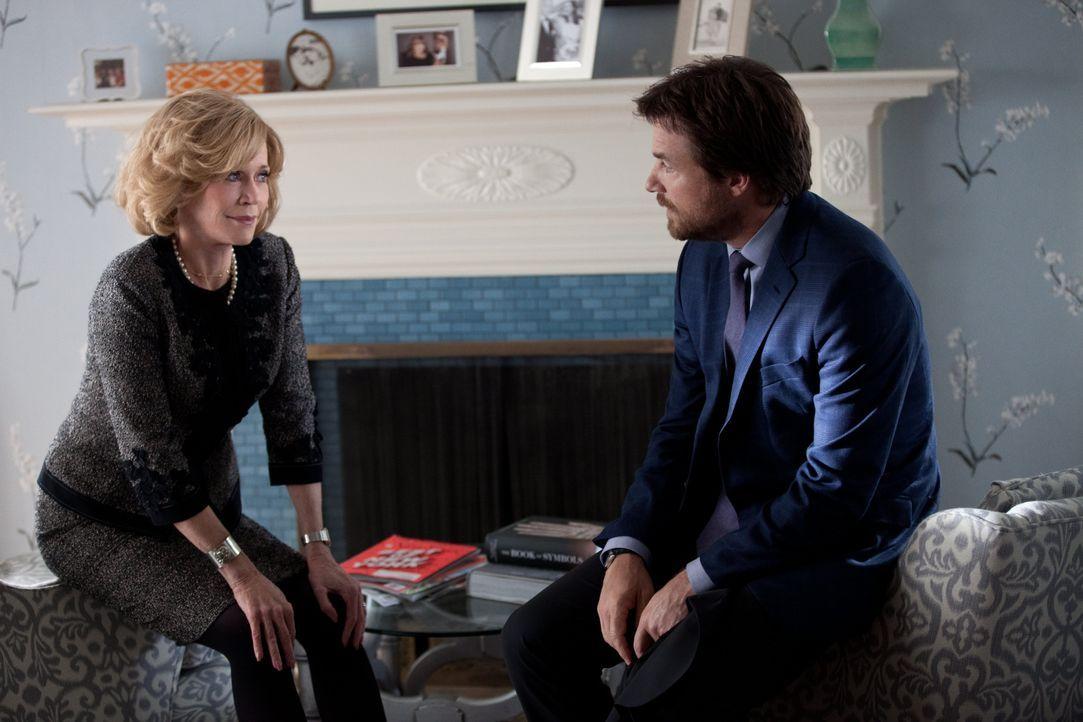 Hilary (Jane Fonda, l.) hat nicht damit gerechnet, dass Judd (Jason Bateman, r.) von seiner Frau betrogen wurde und probiert nun ihm beizustehen ... - Bildquelle: 2014 Warner Brothers