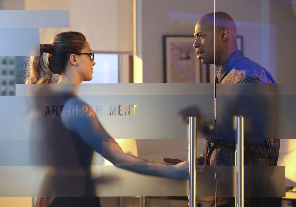 Nur Kara alias Supergirl (Melissa Benoist, l.) ist in der Lage, Nons und Indigos Vorhaben, die menschliche Rasse auszulöschen, zu vereiteln. Ihre Ge... - Bildquelle: 2015 Warner Bros. Entertainment, Inc.