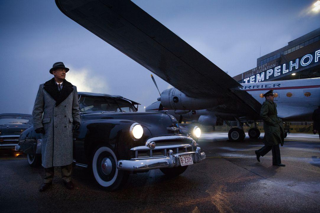 Das U-2-Spionage-Flugzeug des US-Piloten Francis Gary Powers wurde über der Sowjetunion abgeschossen. Im Auftrag der CIA reist James Donovan (Tom Ha... - Bildquelle: DreamWorks II Distribution Co., LLC and Twentieth Century Fox Film Corporation. All Rights Reserved.