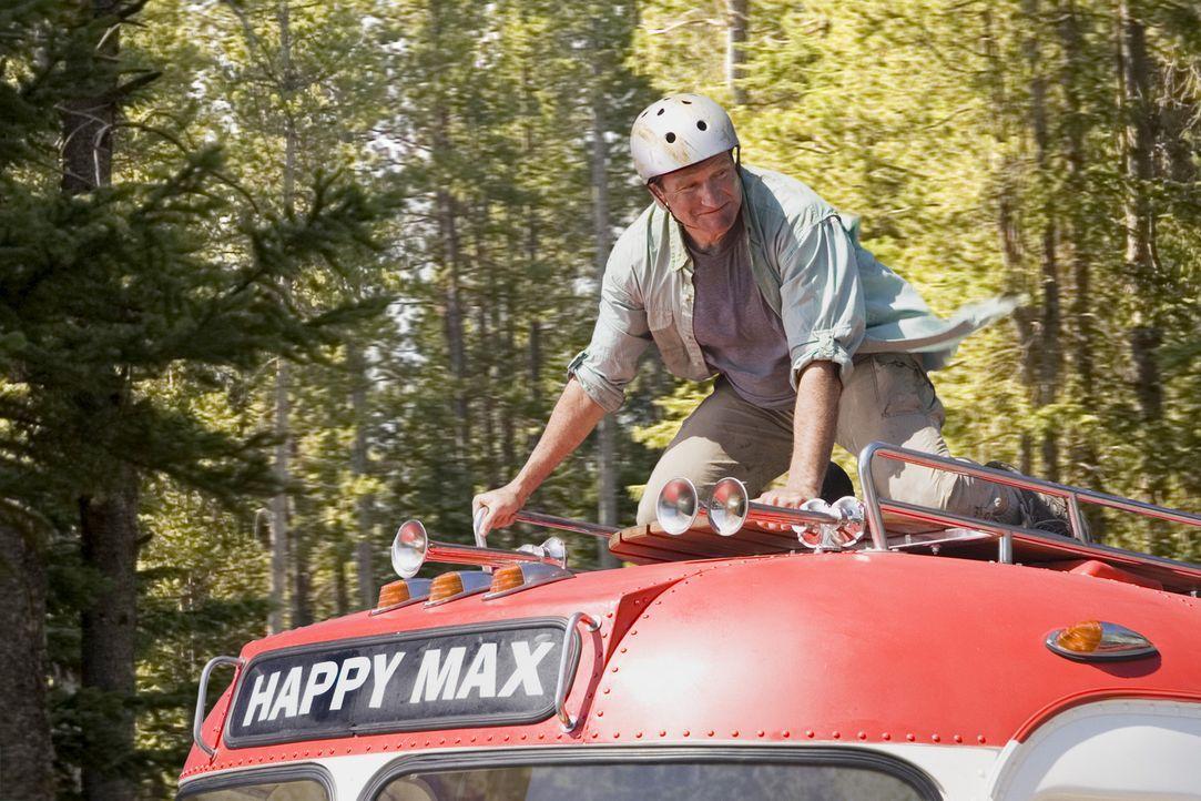 Ein chaotischer Familienurlaub nimmt seinen Lauf: Bob Munro (Robin Williams) ... - Bildquelle: Sony Pictures Television International. All Rights Reserved.