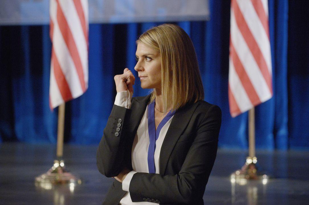 Hannah (Eliza Coupe) erklärt sich bereit, mit Alex und Simon gegen den unbekannten Terroristen zusammenzuarbeiten ... - Bildquelle: Philippe Bosse 2015 ABC Studios