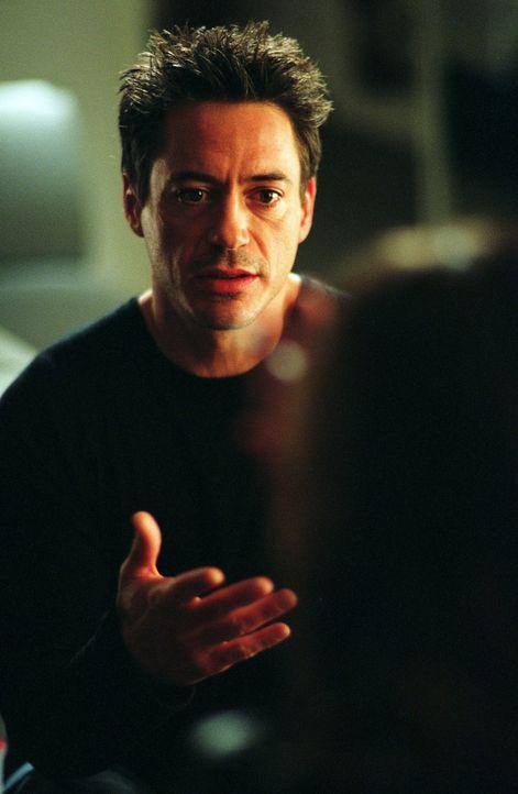 Nach einem missglückten Einbruch von der Polizei gehetzt, landet Kleinganove Harry Lockhart (Robert Downey Jr.) mitten in einem Casting für eine Fil... - Bildquelle: 2015   Warner Brothers