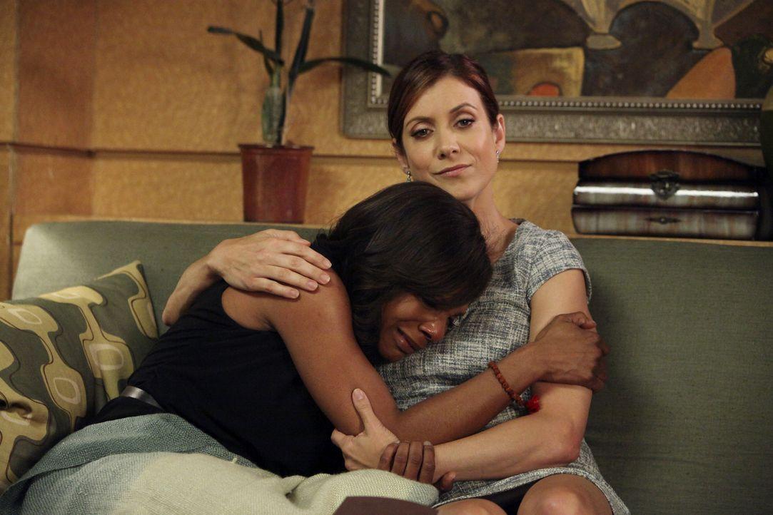 Nachdem Violet ihre Lizenz bereits vorübergehend verloren hat, gerät nun auch der Rest der Praxis unter rechtlichen Druck: Naomi (Audra McDonald,... - Bildquelle: ABC Studios