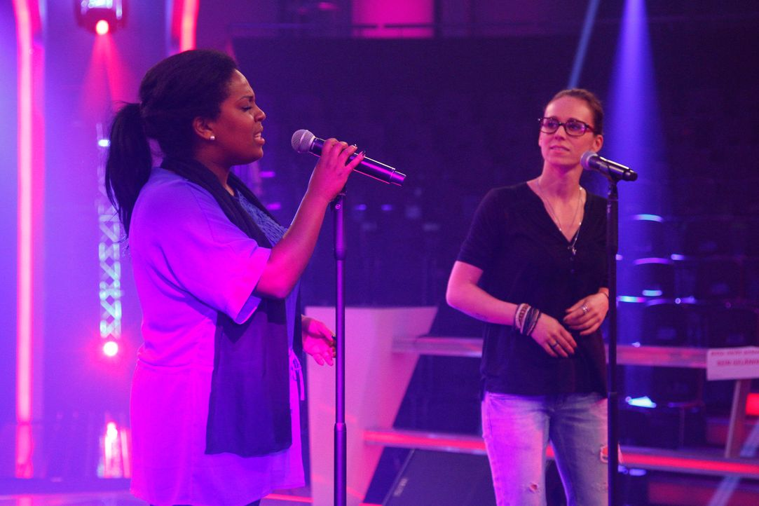 battle-menna-vs-july-06-the-voice-of-germany-huebnerjpg 2160 x 1440 - Bildquelle: SAT.1/ProSieben/Richard Hübner