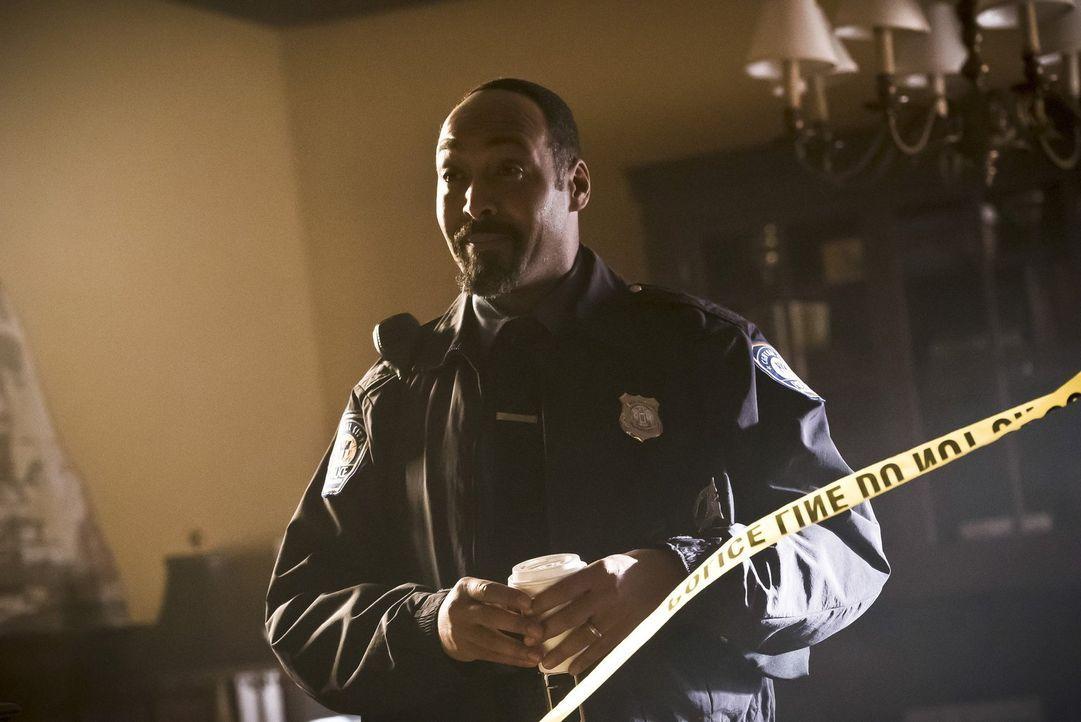 Nachdem Barry verschwunden ist, müssen Joe (Jesse L. Martin) und der Rest des Teams allein mit einem altbekannten Metawesen zurechtkommen ... - Bildquelle: Warner Bros. Entertainment, Inc.