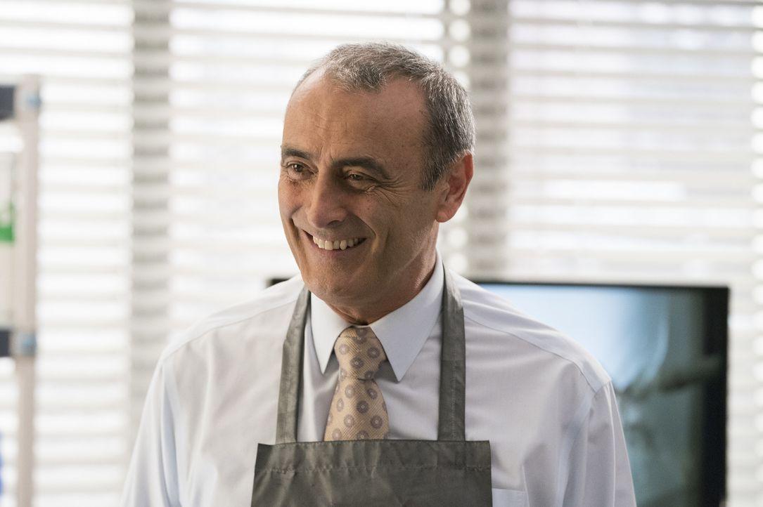 Dr. Vincenzo DeLuca (Lorenzo Caccialanza) - Bildquelle: Mitch Haaseth ABC Studios