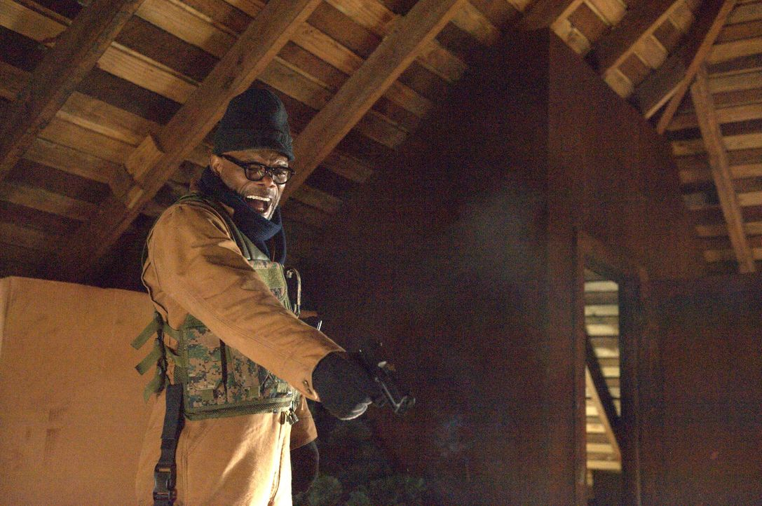 Nimmt den Kampf mit den mysteriösen, blutrünstigen Killern auf: Tom McCourt (Samuel L. Jackson) ... - Bildquelle: Richard Foreman 2014 CELL Film Holdings, LLC ALL RIGHTS RESERVED.