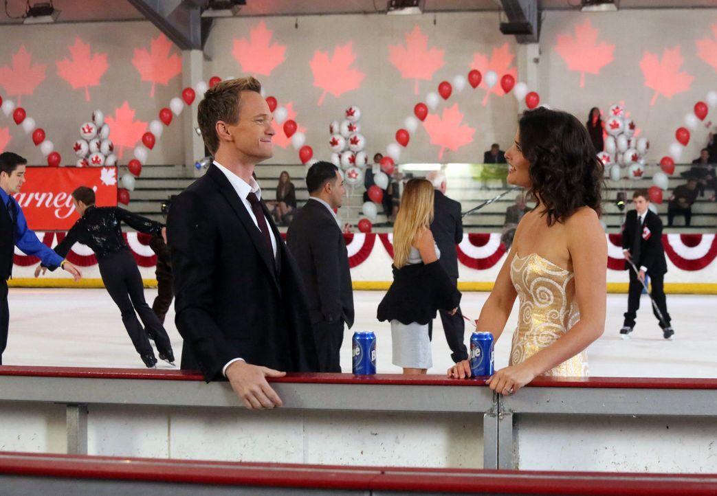 Ein ganz besonderer Tag wartet auf Robin (Cobie Smulders, r.) und Barney (Neil Patrick Harris, l.) ... - Bildquelle: 2013 Twentieth Century Fox Film Corporation. All rights reserved.