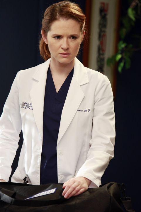 April (Sarah Drew) soll die Mutter von Matthew kennenlernen und berichtet ihm im Zuge dessen, dass sie keine Jungfrau mehr ist ... - Bildquelle: ABC Studios