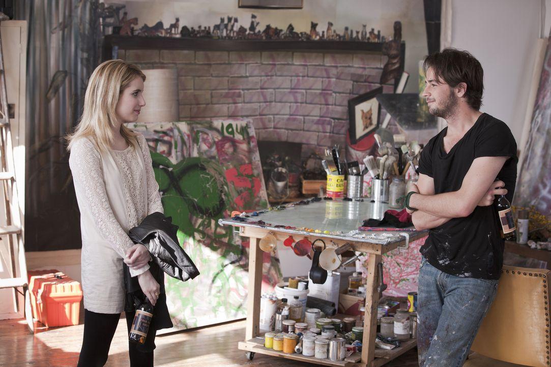 Ausgerechnet Künstler Dustin (Michael Angarano, r.), der Georges Zeichentalent fördern will, hat ein Auge auf Sally (Emma Roberts, l.) geworfen. Und... - Bildquelle: Mark Schafer 2011 - Fox Searchlight Pictures