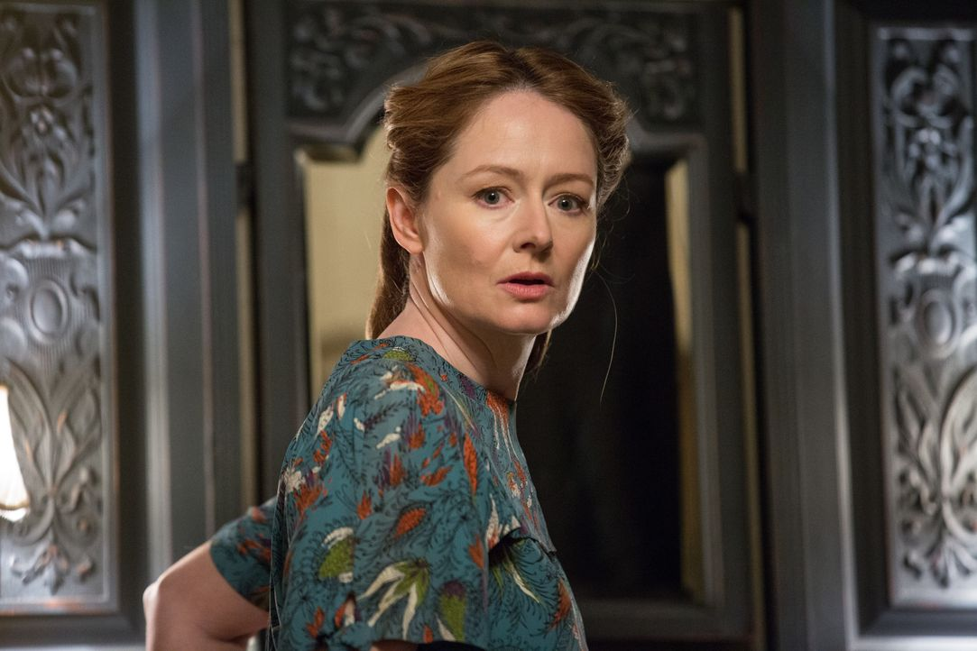 Esther Mullins (Miranda Otto) - Bildquelle: 2017 Warner Bros. Entertainment Inc. All Rights Reserved.