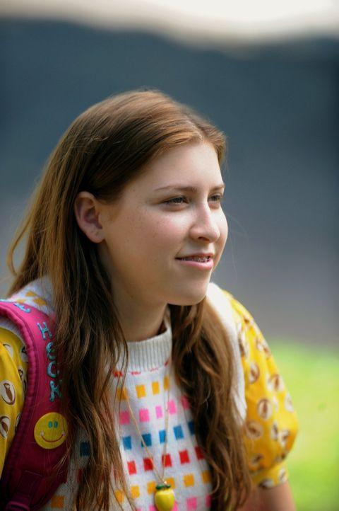 Sue (Eden Sher) freut sich auf ihren ersten Tag an der Highschool, auf den sie sich bestens vorbereiten will. Umso entsetzter ist sie, dass sie mit... - Bildquelle: Warner Brothers