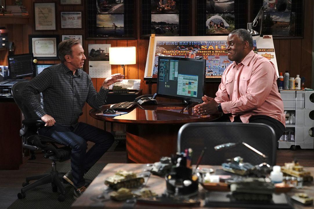 Mike Baxter (Tim Allen, l.); Chuck Larabee (Jonathan Adams, r.) - Bildquelle: Michael Becker 2020 Fox Media LLC. / Michael Becker