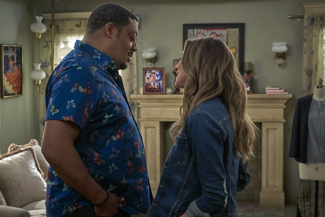 Kenneth (Cedric Yarbrough, l.); Melanie (Sarah Chalke, r.) - Bildquelle: 2018-2019 American Broadcasting Companies. All rights reserved.