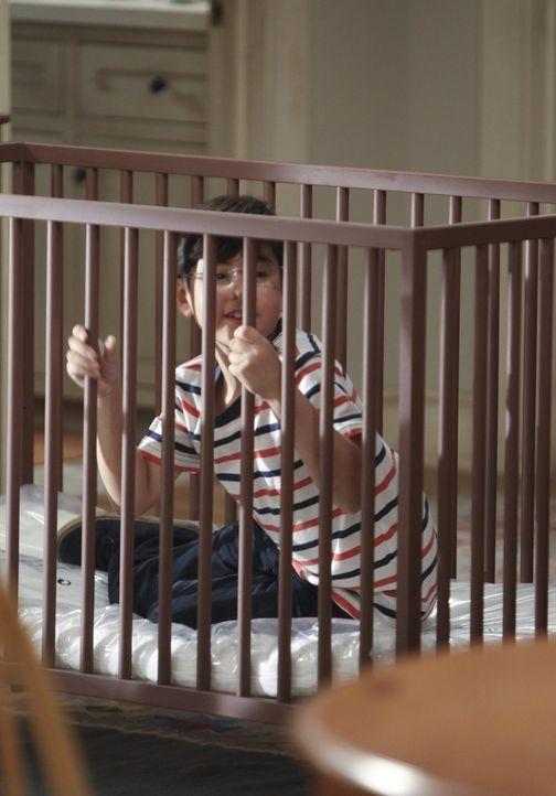 Ob er eifersüchtig sein wird, wenn Violets Baby erst einmal auf der Welt ist? Zurzeit ist Roscoe (Blake Garrett Rosenthal) schließlich noch selbst d... - Bildquelle: Warner Brothers Entertainment Inc.