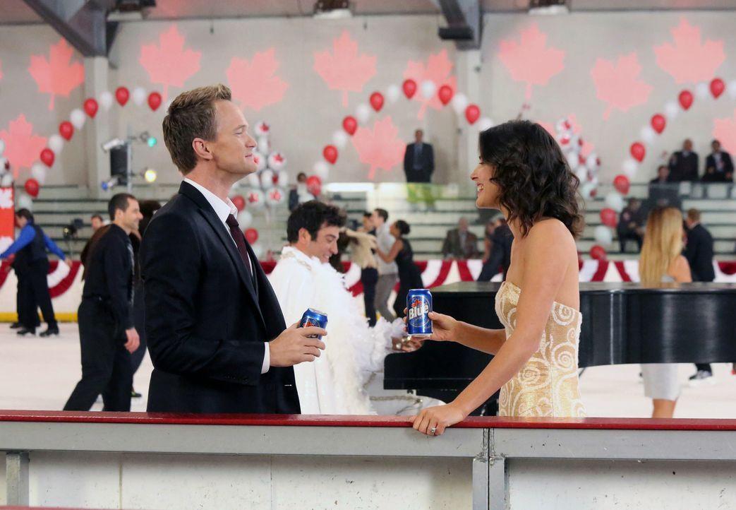 Damit bei der Hochzeitsfeier von Robin (Cobie Smulders, r.) und Barney (Neil Patrick Harris, l.) auch ja nichts schiefgeht, soll es einen Tag vorher... - Bildquelle: 2013 Twentieth Century Fox Film Corporation. All rights reserved.