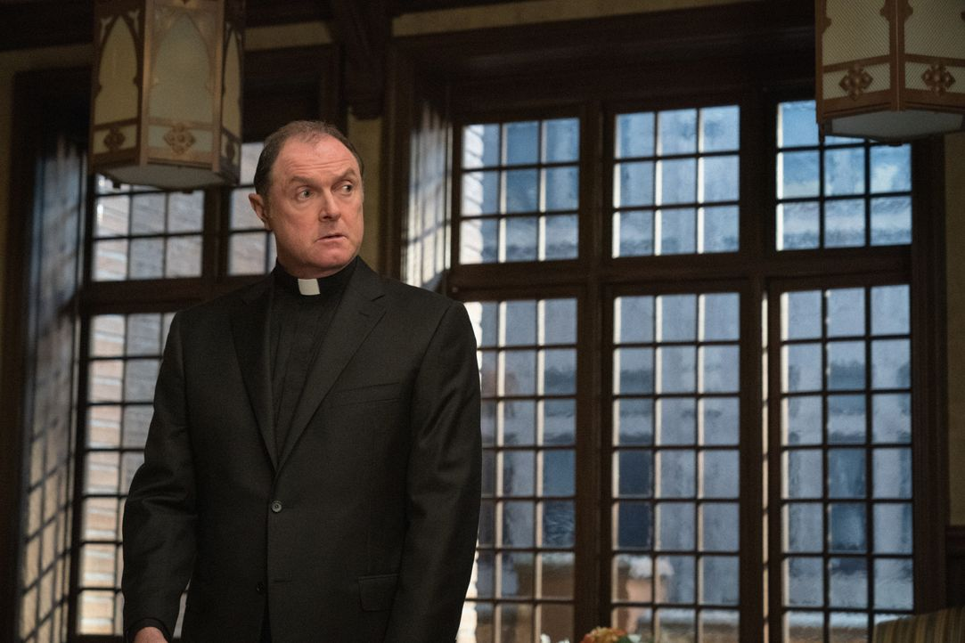 Monsignor Matthew Korecki (Boris McGiver) - Bildquelle: Elizabeth Fisher 2019 CBS Broadcasting, Inc. All Rights Reserved / Elizabeth Fisher