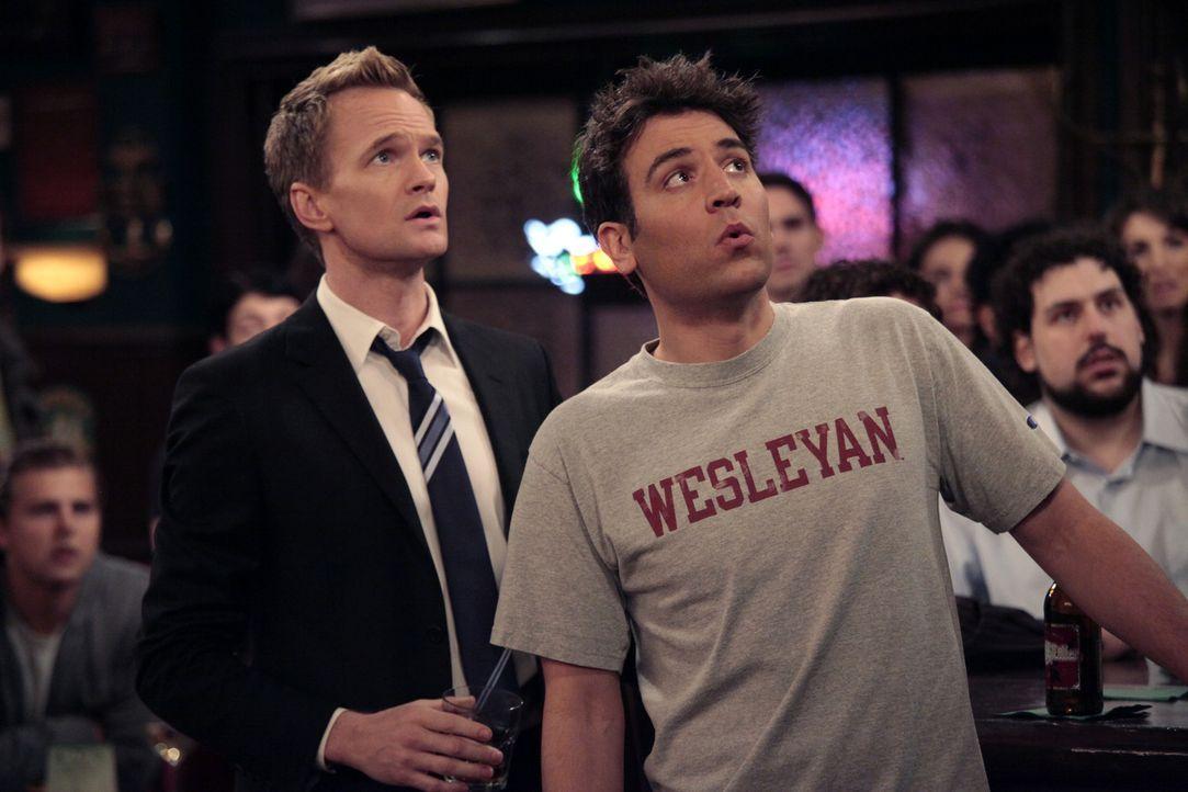 Barney (Neil Patrick Harris, l.) versucht, Ted (Josh Radnor, r.) dazu zu bringen,  mit ihm eine legendäre Nacht nach der anderen zu erleben ... - Bildquelle: 20th Century Fox International Television