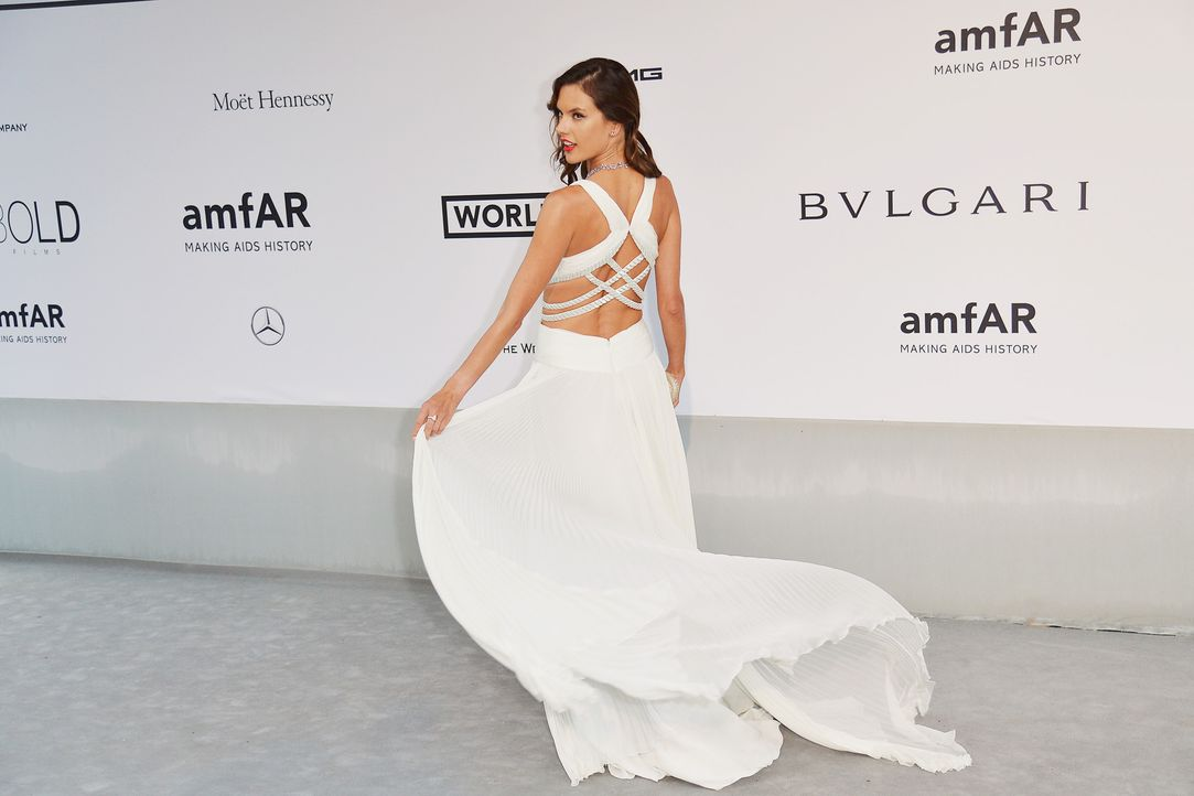 Cannes-Filmfestival-amfAR-Alessandra-Ambrosio-140522-AFP - Bildquelle: AFP