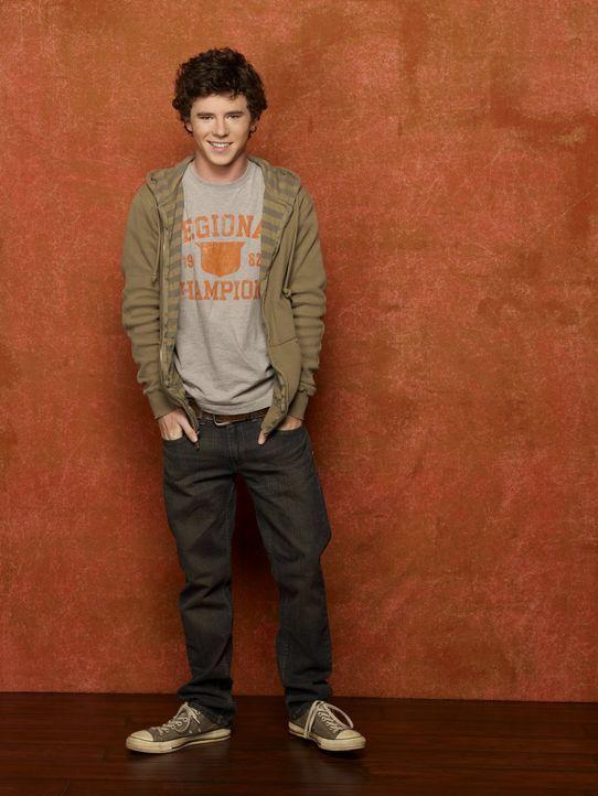 (2. Staffel) - Er ist nicht immer ein Mustersohn, hat das Herz aber am rechten Fleck: Axl (Charlie McDermott) ... - Bildquelle: Warner Brothers