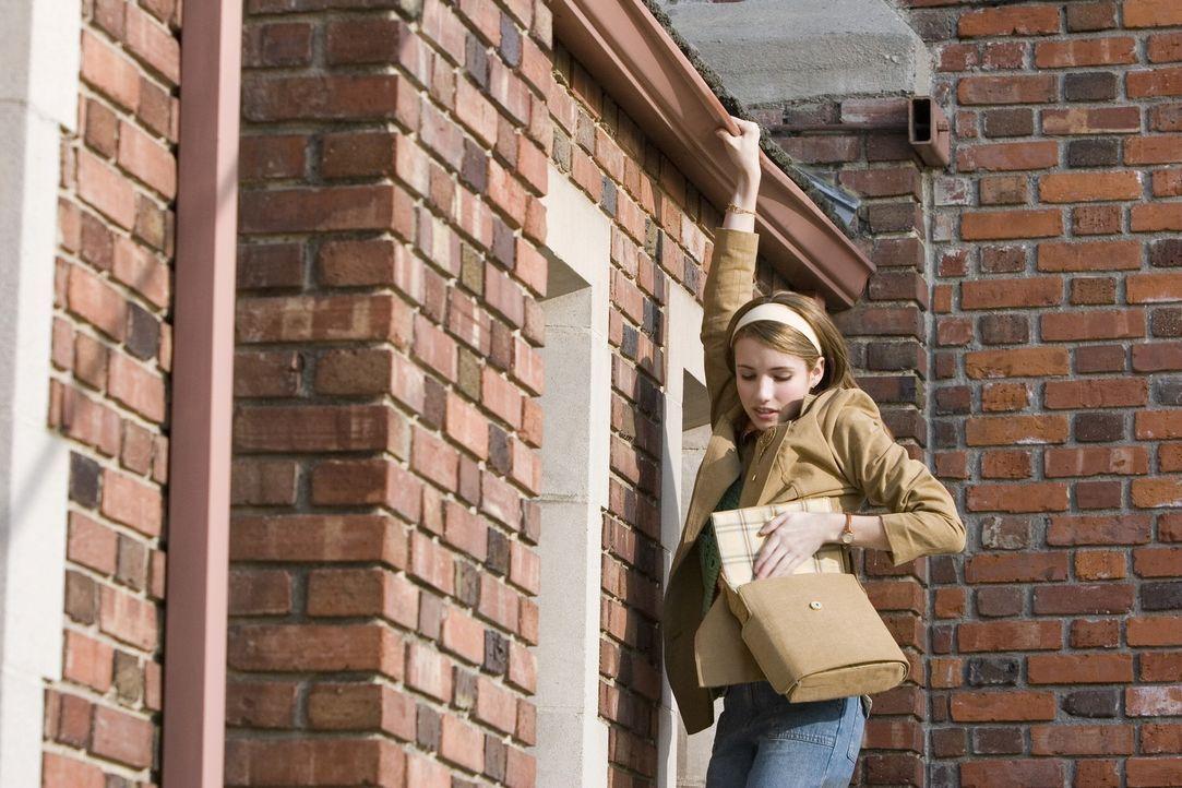 Studiert Journalismus an der Riverdale-Universität und beschäftigt sich gerne als Hobbydetektivin: Nancy Drew (Emma Roberts) ... - Bildquelle: All rights reserved Warner Brothers International Television Distribution Inc.