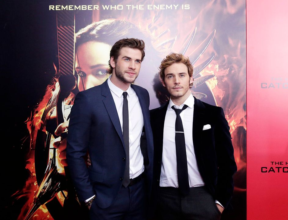 Catching-Fire-Premiere-NY-Liam-Hemsworth-Sam-Claflin-13-11-20-dpa - Bildquelle: dpa