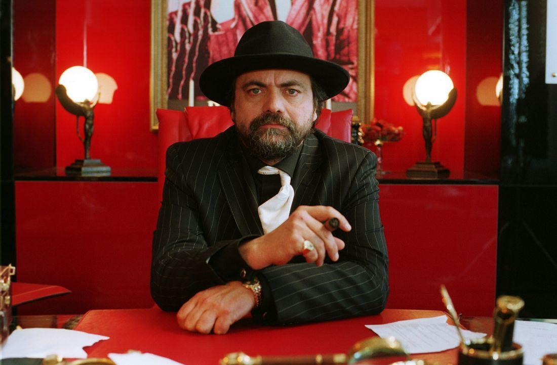 Von Recht und Ordnung hält Don Leone (Matthias Brenner) überhaupt nichts ... - Bildquelle: action image