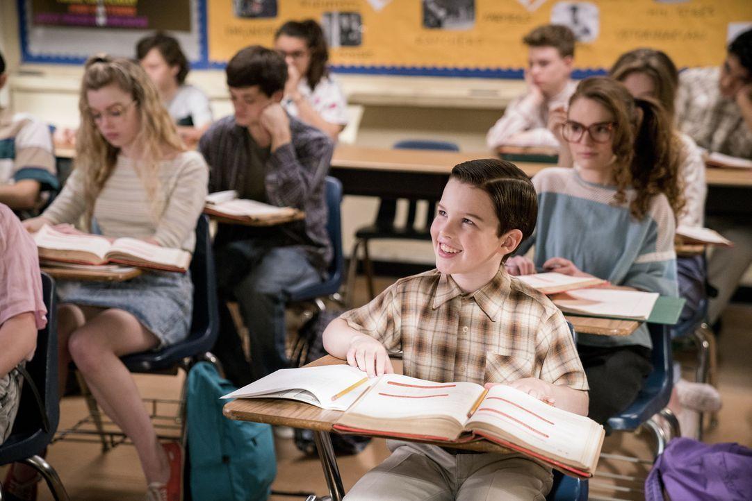 Fühlt sich an der Medford High unterfordert: Sheldon (Iain Armitage) ... - Bildquelle: Warner Bros. Television