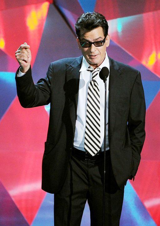 mtv-movie-awards-charlie-sheen2-12-06-03-getty-afpjpg 1080 x 1522 - Bildquelle: getty-AFP