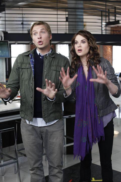 Sind ganz besondere Freunde: Ben (Ryan Hansen, l.) und Sara (Danneel Harris, r.) ... - Bildquelle: NBC Universal, Inc.