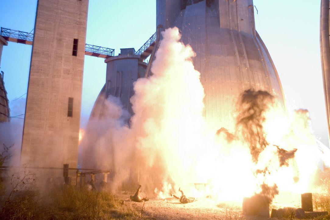 Während der Mission stellt sich heraus, dass das CIA getäuscht und dazu verleitet wurde, einen aktiven Reaktor in die Luft zu sprengen ... - Bildquelle: Sony 2007 CPT Holdings, Inc.  All Rights Reserved.