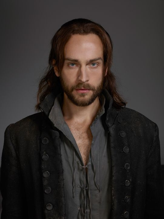 Sleepy-Hollow-Ichabod-Crane-Tom-Mison-(1)