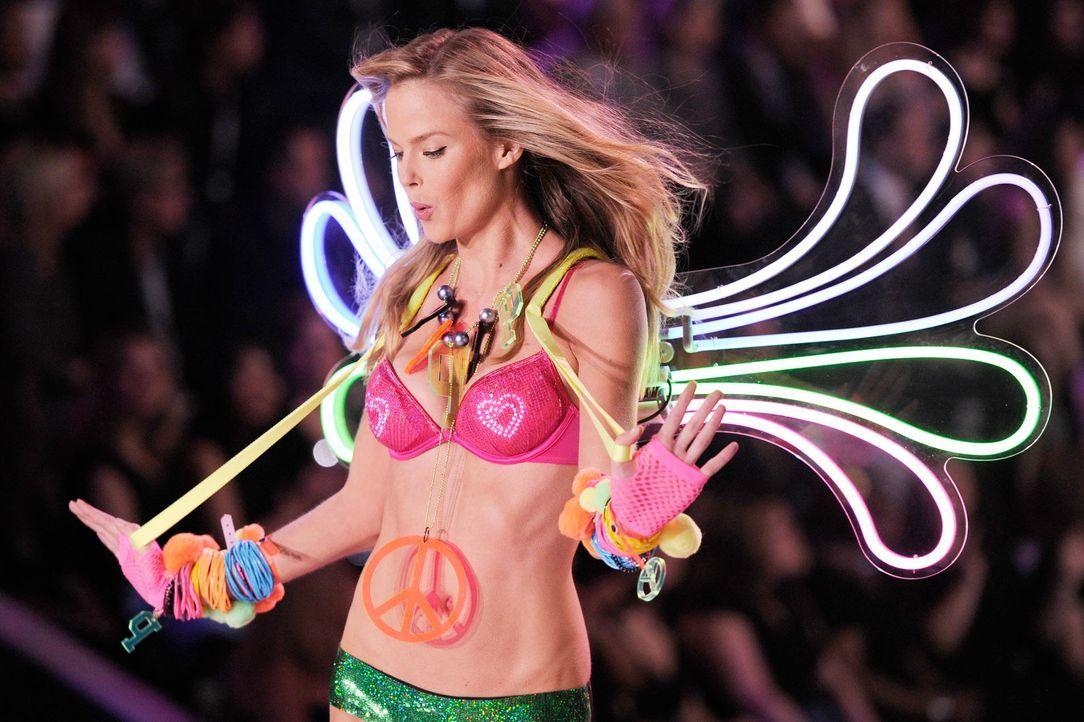 victoria-secret-fashion-show-2011-37-unknown-model-afpjpg 1900 x 1265 - Bildquelle: AFP