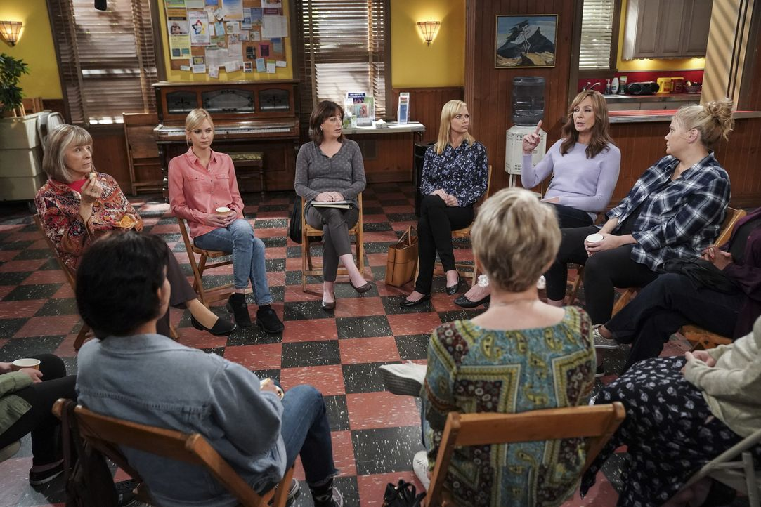 (v.l.n.r.) Marjorie (Mimi Kennedy); Christy (Anna Faris); Wendy (Beth Hall); Jill (Jaime Pressly); Bonnie (Allison Janney); Tammy (Kristen Johnston) - Bildquelle: Sonja Flemming 2018 CBS Broadcasting, Inc. All Rights Reserved.