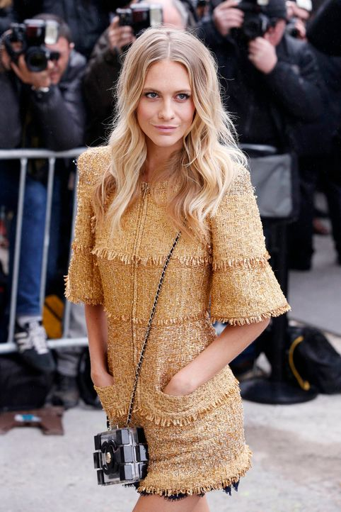 Paris-Fashion-Week-Poppy-Delevingne-150310-dpa - Bildquelle: dpa