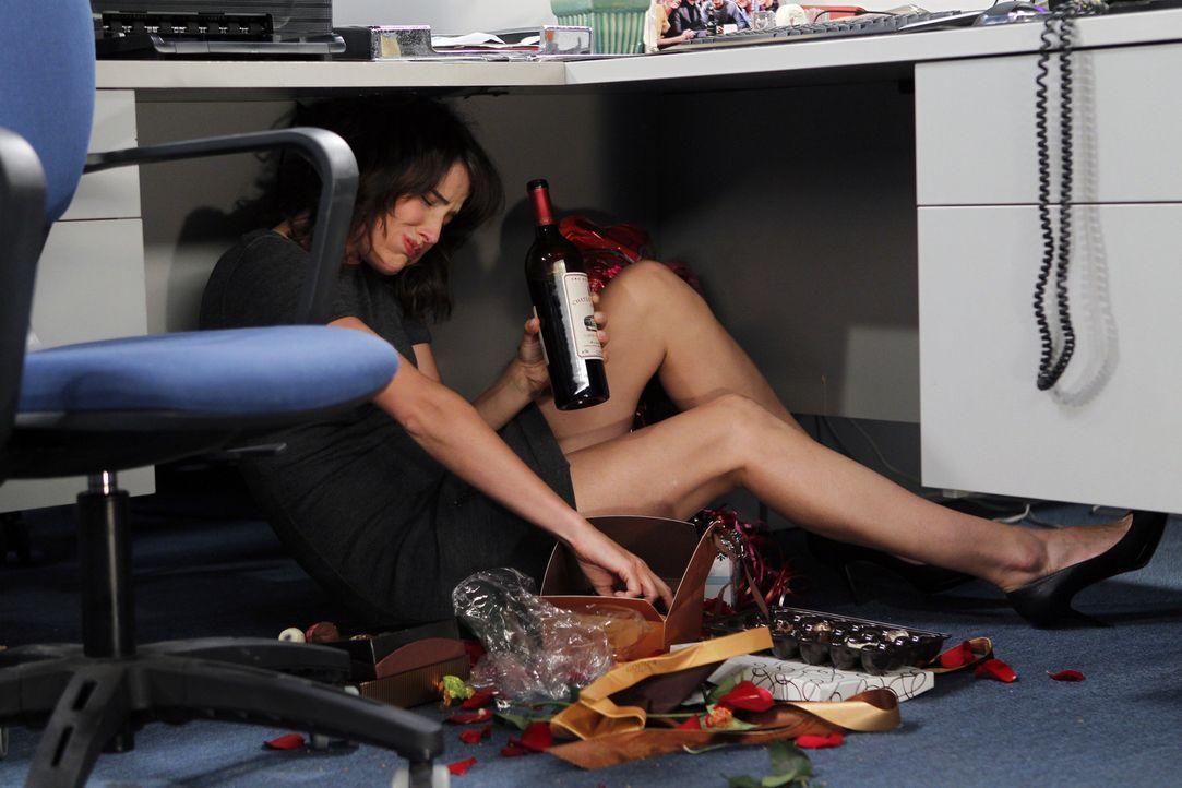 Was hat Robin (Cobie Smulders) nur vor? - Bildquelle: 20th Century Fox International Television
